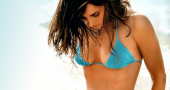Elizabeth Hurley gives her views on breast cancer