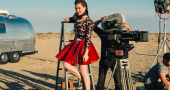 Hailee Steinfeld encourages fans to have self-confidence