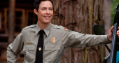 Tom Cavanagh criticises Zack Snyder for ignoring Grant Gustin as The Flash