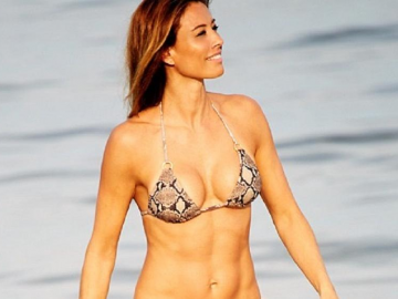 17 hot English women with bikini bodies to die for