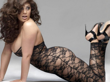 21 reasons why Ashley Graham is still our favourite plus-size model