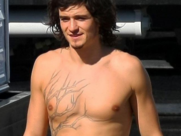Comic book fans do not want Orlando Bloom as Captain Britain