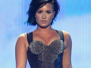 Demi Lovato reveals her battle with staying sober