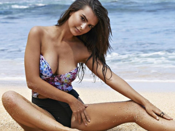 Emily Ratajkowski is loving married life