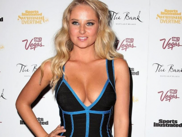 Genevieve Morton in the running for Sports Illustrated Swimsuit Issue 2017 cover?