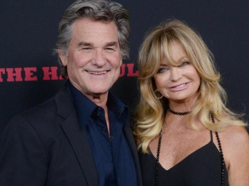 Goldie Hawn and Kurt Russell caught having sex
