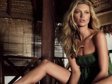 Kate Moss is fighting hard against the ageing process
