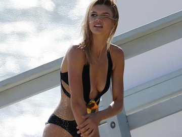 Kelly Rohrbach shares her Baywatch memories