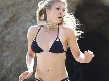 LeAnn Rimes bikini collection is bigger than yours