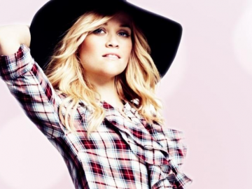 Reese Witherspoon gives her views on motherhood