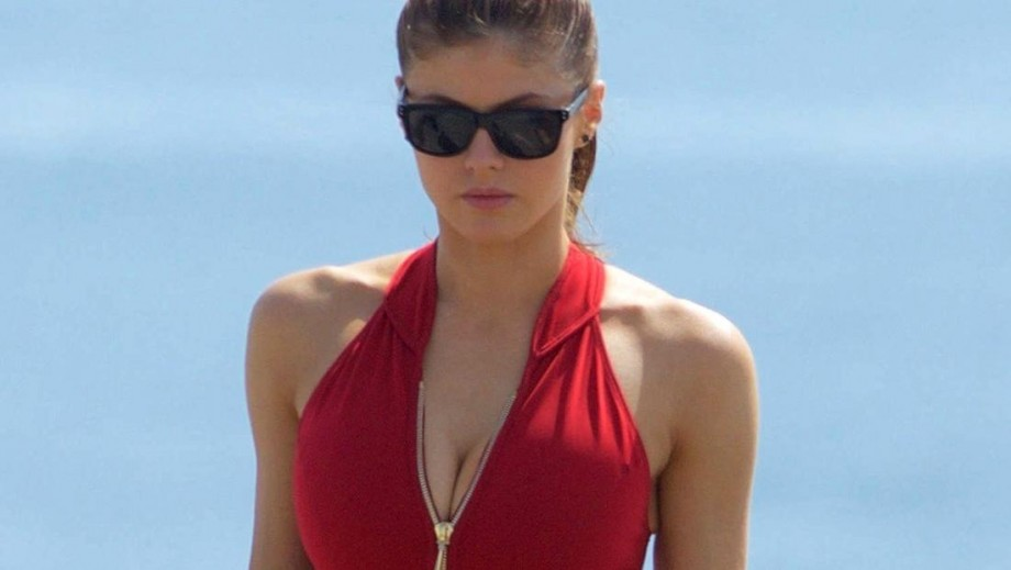 Alexandra Daddario topless movie roles a thing of the past?