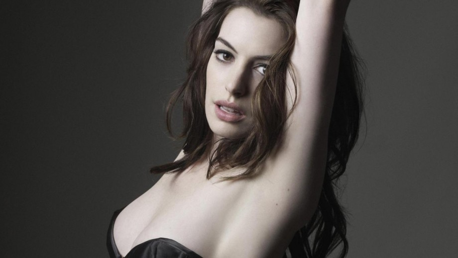 Anne Hathaway almost killed her son