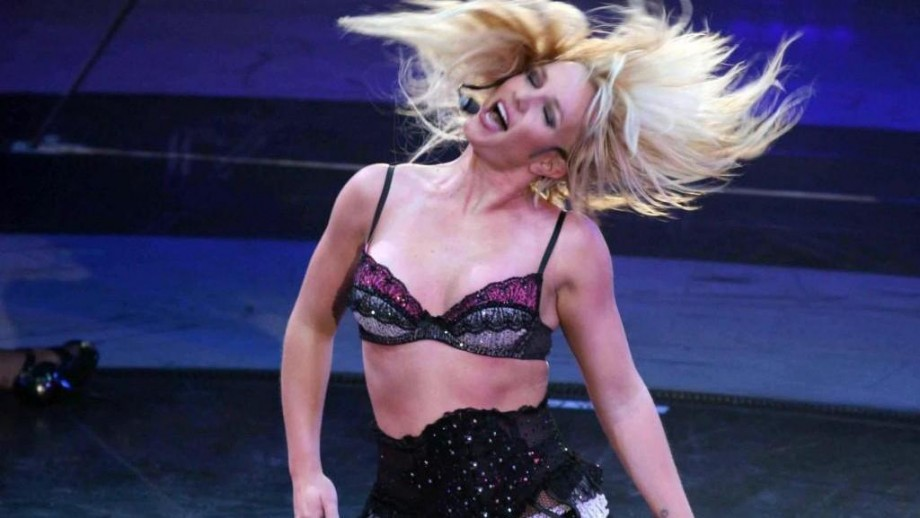 Britney Spears to play half-time show at Super Bowl 51
