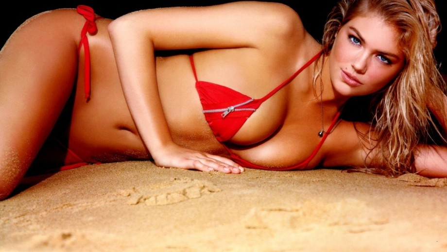 Kate Upton v Emily Ratajkowski: Which model is making the most of their acting career?