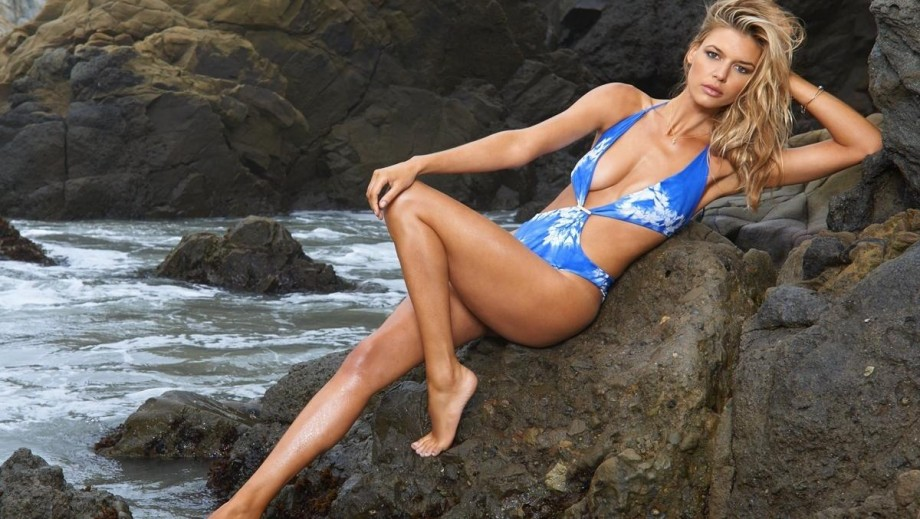Kelly Rohrbach to make the cover of Sports Illustrated Swimsuit Issue 2017?