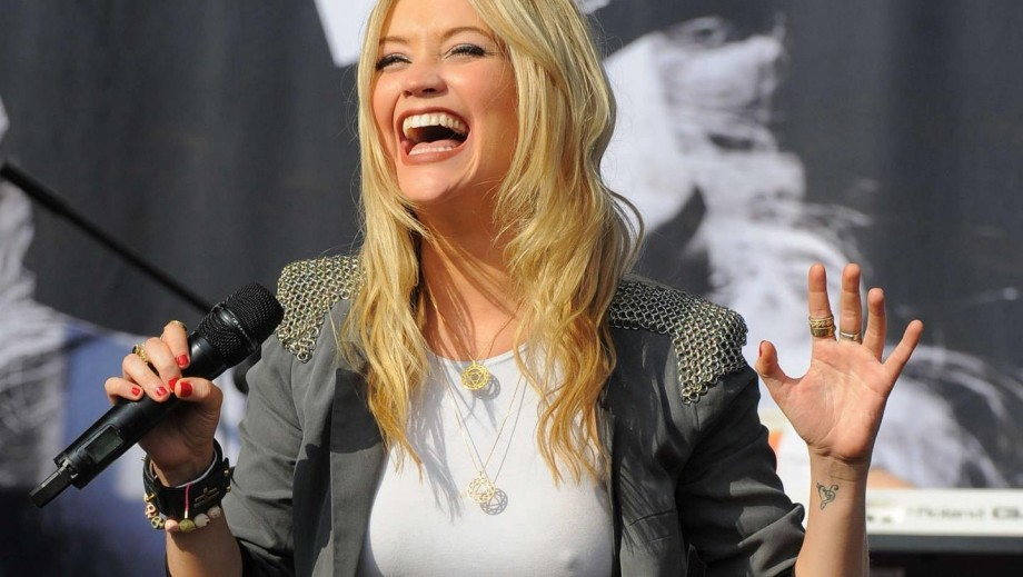 Laura Whitmore and Richard Madden are dating