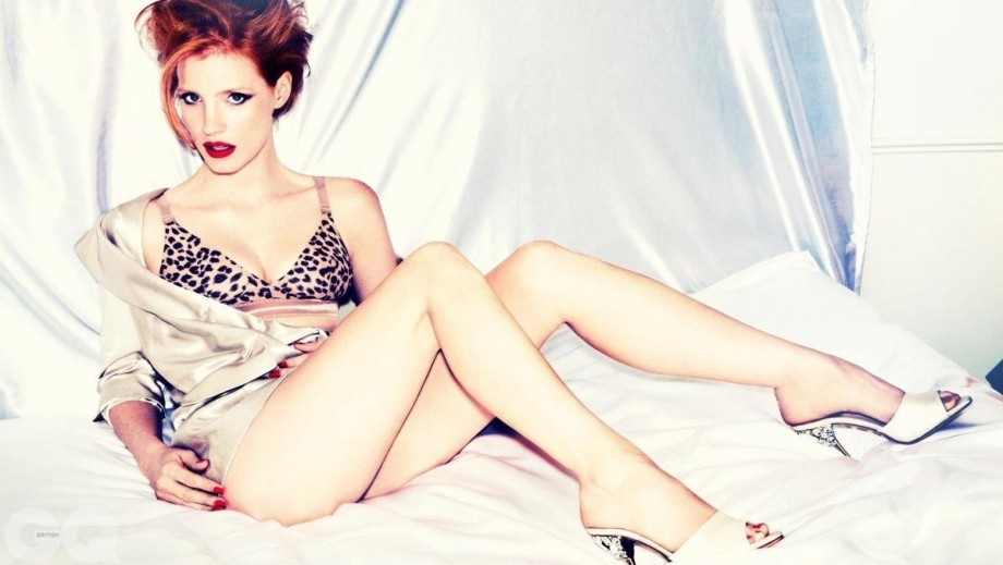 Poison Ivy Casting: Jessica Chastain vs Bryce Dallas Howard