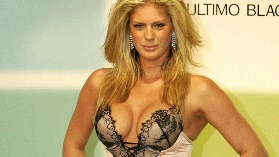 Rachel Hunter and Penny Lancaster are good friends