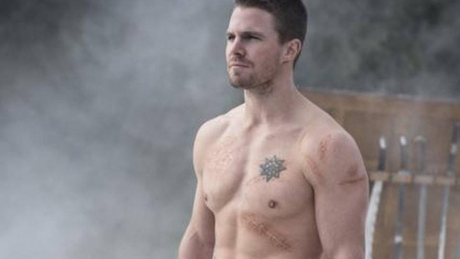 Stephen Amell wants a funnier Oliver Queen in Arrow season 6