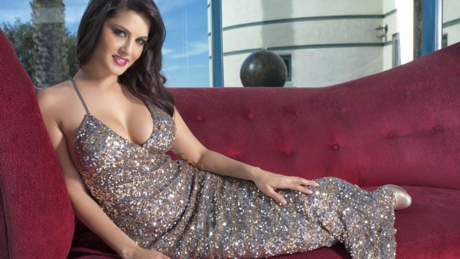 Sunny Leone teases how to get a body like hers