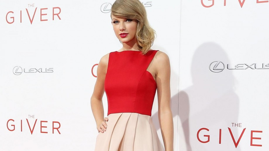 Taylor Swift fans intrigued by new music video tease