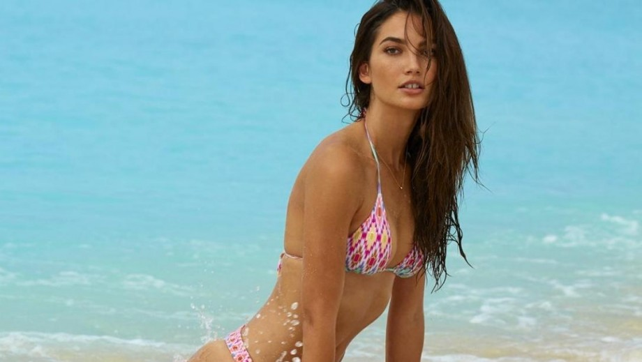 Victoria's Secret babe Lily Aldridge needs her personal trainer in China