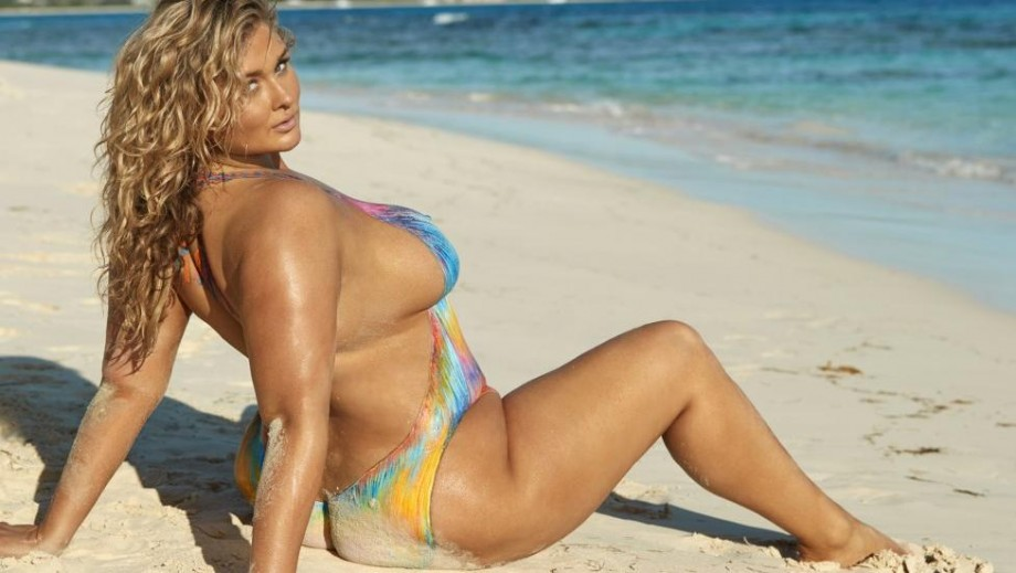 Hunter McGrady shows her strong side