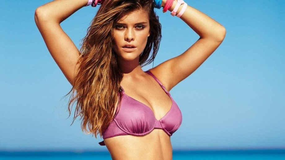 Nina Agdal continues to WOW with sexy Instagram snaps